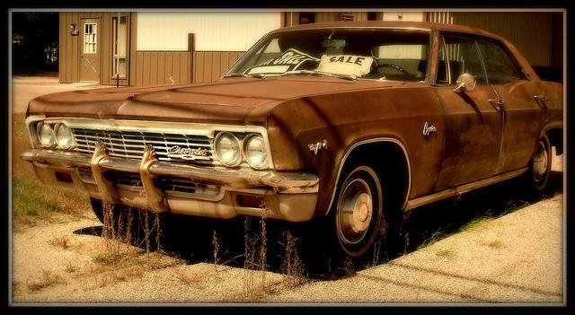 """Bild: """"Abandoned Caprice"""" von  James. Lizenz: CC BY ND 2.0"""