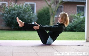 Kristin Woltmann beim HIIT Yoga