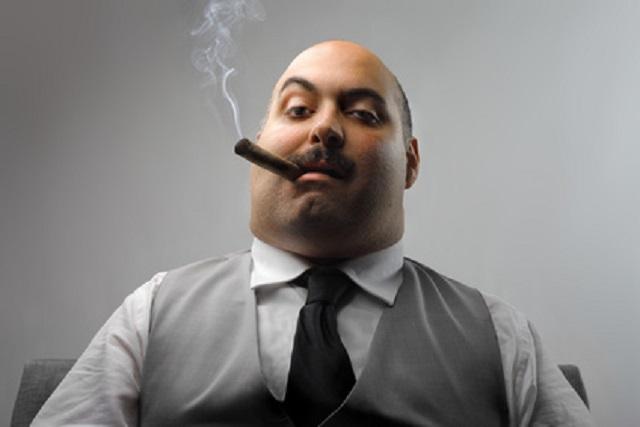 boss-raucht-zigarre.png