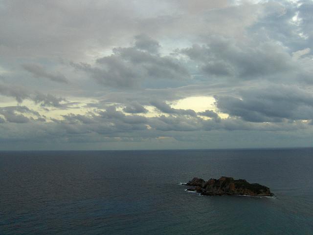 """Bild: """"A Tiny Virgin Island"""" von Joe Shlabotnik. Lizenz: CC BY 2.0"""