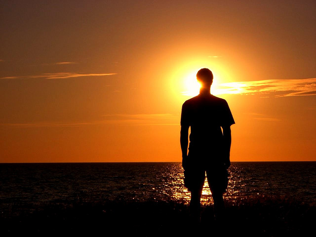 """Bild: """"Halo - the Sunset Silhouette"""" von  Matthias. Lizenz: CC BY 2.0"""