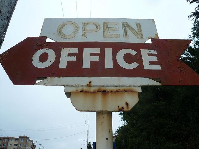 """Bild: """"Open Office"""" von Shannon Clark. Lizenz: CC BY-SA 2.0"""