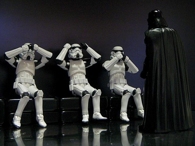 """Bild: """" See No Vader, Hear No Vader, Speak No Vader"""" von  JD Hancock. Lizenz: CC BY 2.0"""