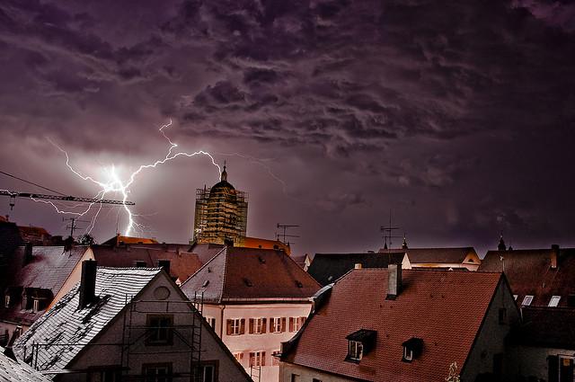 """Bild: """"Thunderstorm"""" von Victor Bergmann. Lizenz: CC BY-ND 2.0"""