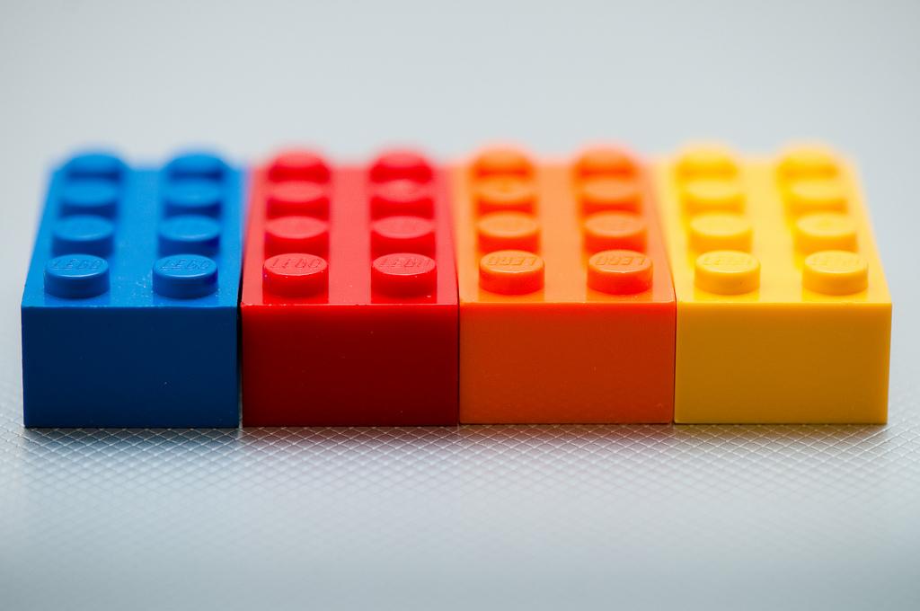 """Bild: """"250/365 - Bricks"""" von Kenny Louie. Lizenz: CC BY 2.0"""