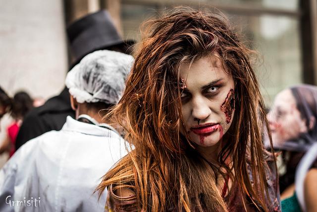 """Bild: """"Zombie Walk 2012 - SP"""" von Gianluca Ramalho Misiti. Lizenz: CC BY 2.0"""
