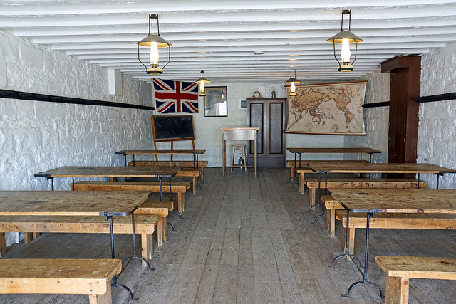 """Bild: """"School Room"""" von Dennis Jarvis. Lizenz: CC BY 2.0"""