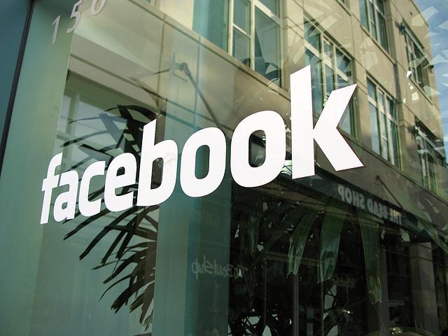 auf-diesem-bild-steht-facebook.png