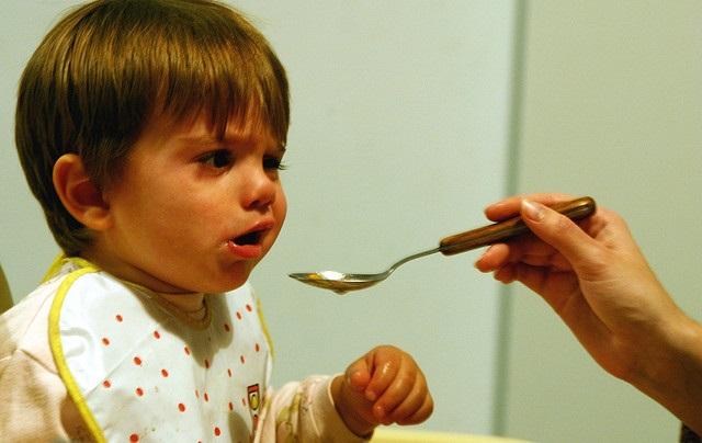 das ist ein kind was nicht essen will