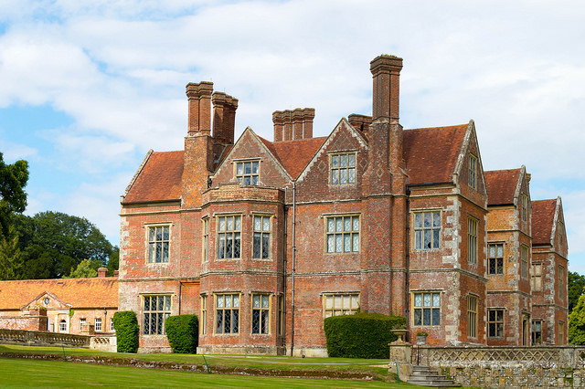 "Bild: ""Breamore House, Hampshire"" von JackPeasePhotography. Lizenz: CC BY 2.0"