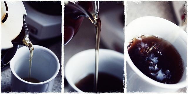 """Bild: """"black tea"""" von Bojana Bakalcheva. Lizenz: CC BY 2.0"""