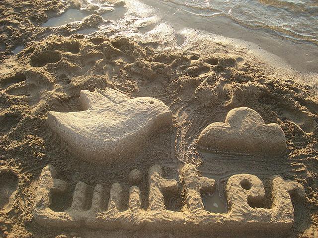 """Bild: """"Twitter escultura de arena"""" von Rosaura Ochoa. Lizenz: CC BY-SA 2.0"""