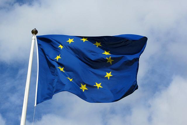 "Bild: ""EU Flagga"" von MPD01605. Lizenz: CC BY-SA 2.0"