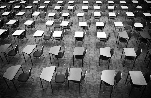"""Bild: """"Examination"""" von Thomas Galvez. Lizenz: CC BY 2.0"""