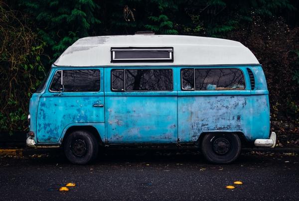 dies ist ein ramponierter kleinbus