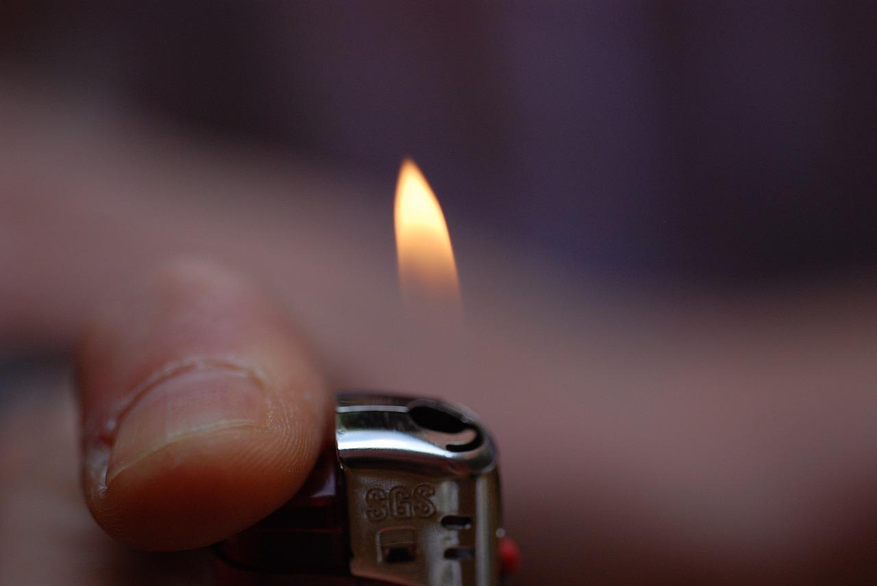 lighter-681250_1280