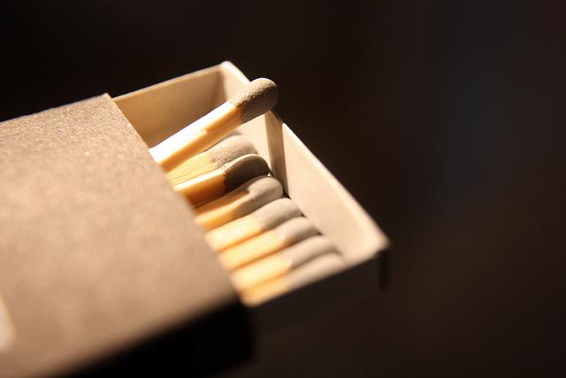 """Bild: """"fire? (cc)"""" von Martin Fisch. Lizenz: CC BY 2.0"""