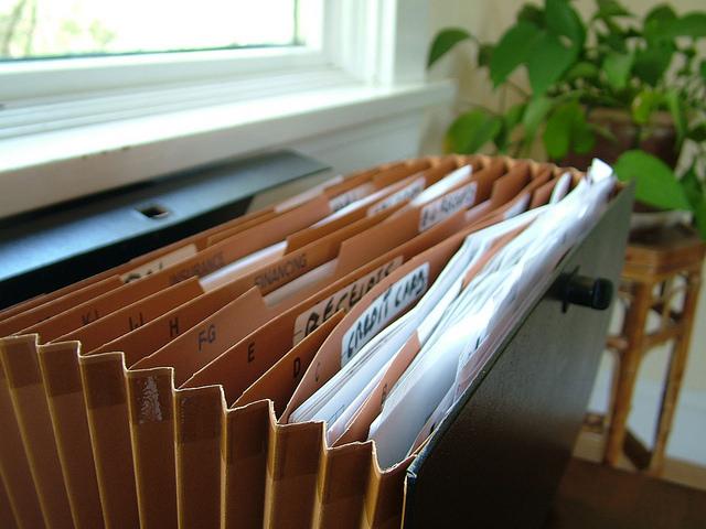 """Bild: """"Paperwork File"""" von Ian Lamont. Lizenz: CC BY 2.0"""