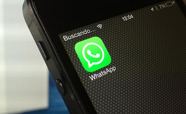 """Bild: """"WhatsApp / iOS"""" von Microsiervos Geek Crew. Lizenz: CC BY 2.0"""