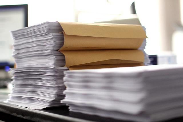 "Bild: ""Bureaucracy / Bürokratie I"" von Christian Schnettelker. Lizenz: CC BY 2.0"