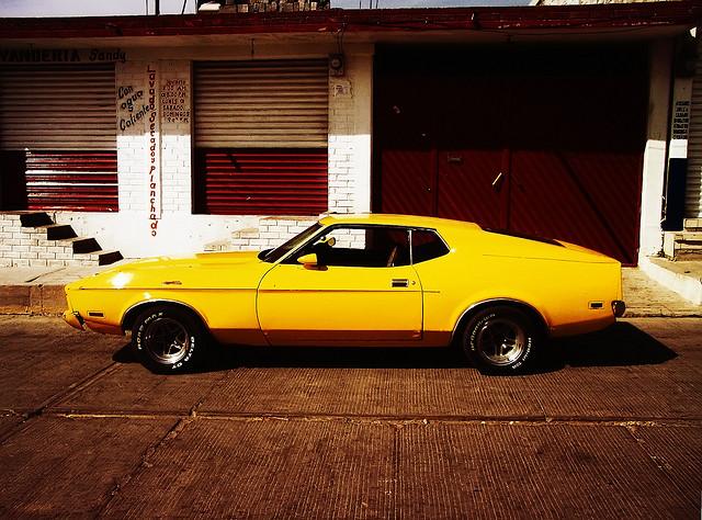 """Bild: """"músculo amarillo"""" von Joel Bedford. Lizenz: CC BY-ND 2.0"""