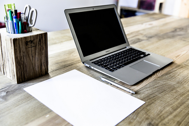Schreibtisch, ideal für elearning