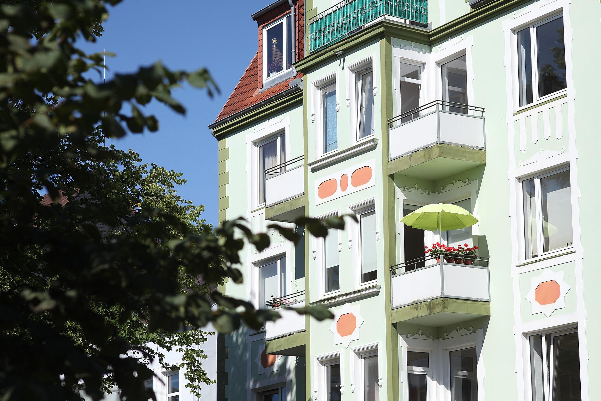 tenement-house-882149_1920
